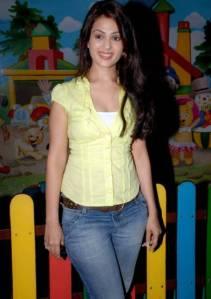 Bollywood Sexy Sensation Stars Anjana Sukhani Cute Smile Pics Photoshoot images