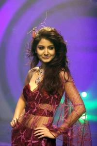Anushka Sharma Walks the Ramp for Rina Dhaka at HDIL India Couture Week hot photos