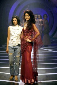 Anushka Sharma Walks the Ramp for Rina Dhaka at HDIL India Couture Week cleavage
