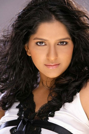 Aparna Nair | Mollywood | Actresses, Photoshoot pics ...