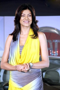 Fiat Linea T Jet launched By 'Sushmita Sen' cleavage