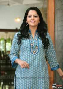 Hot Malayalam actress Roma showing naval saree stills and more big boobs show
