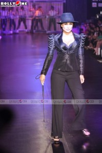 Kareena Kapoor Human Fashion Show |Hot Photos hot photos