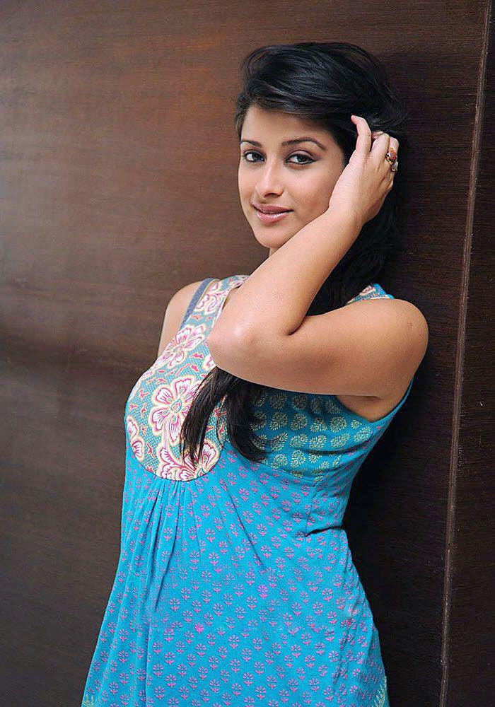 'Madhurima' Photo Shoot
