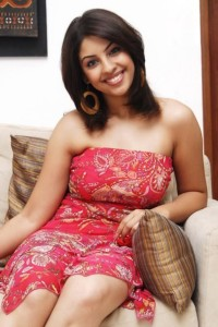 Richa Gangopadhyay Latest Hot Photos navel show