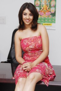 Richa Gangopadhyay Latest Hot Photos cleavage
