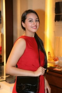 sonakshi sinha looking hot in red dress unseen pics