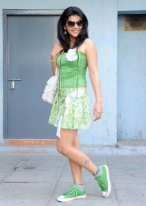 Actress Tapsee latest hot movie stills Photoshoot images