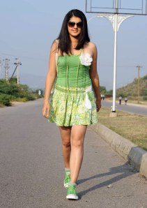 Actress Tapsee latest hot movie stills gallery pictures